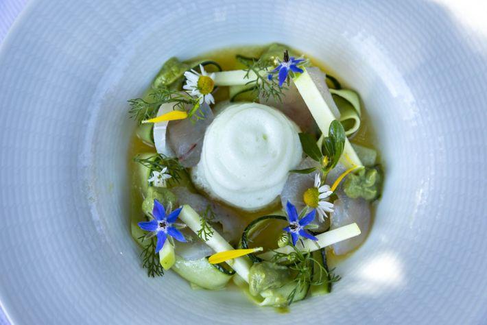 Au restaurant Gusteau, situé à Mád, le chef Gábor Horváth crée des plats qui se marient ...