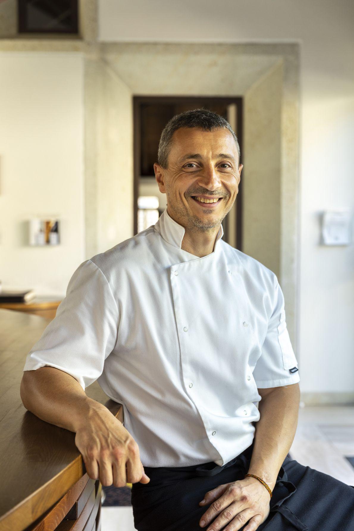 Le chef Gábor Horváth propose une approche contemporaine de la cuisine hongroise au village de Mád, ...