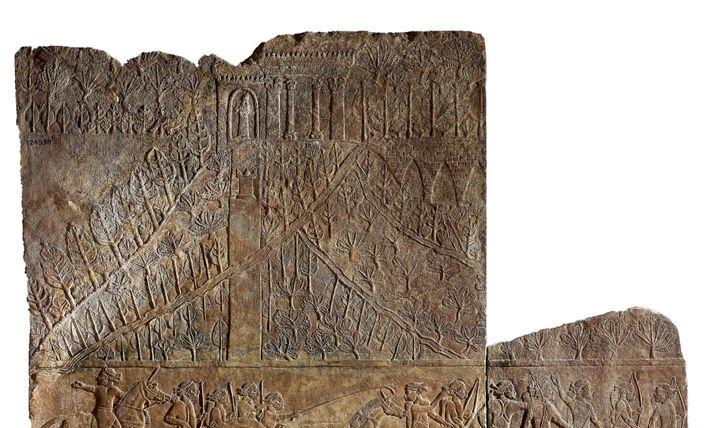 La tradition attribue à Sémiramis la construction des jardins suspendus de Babylone. Si de tels jardins ...