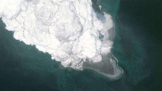 Une image satellite du volcan Bogoslaf après une éruption en mai 2017.