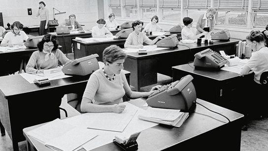 Au Jet Propulsion Lab de la NASA, situé à Pasadena en Californie, les femmes occupaient le ...