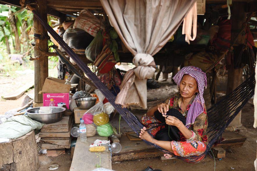 Rescapée du génocide khmer, les Chams sont la troisième minorité ethnique du Cambodge.À la base hindouiste, ce peuple s'est converti à l'islam sous l'influence de marchands indiens implantés en Asie du Sud-Est dès le début du XIIIesiècle.