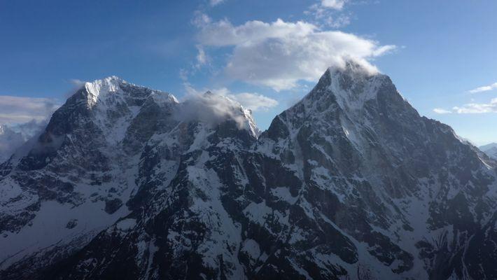 Comment recréer virtuellement le camp de base de l'Everest ?