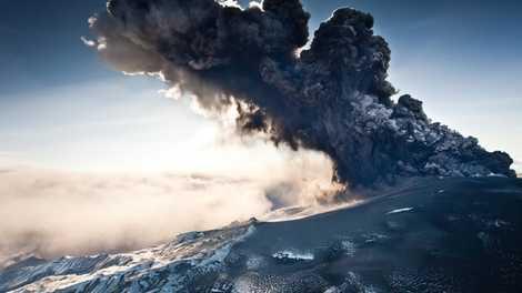 """""""Petit âge glaciaire"""" : l'éruption volcanique méga-colossale qui a frappé le Moyen-Âge"""