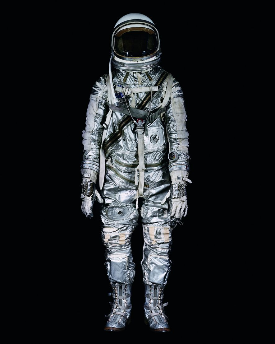 John Glenn portait cette combinaison lors de son vol autour de la Terre, le 20 février ...