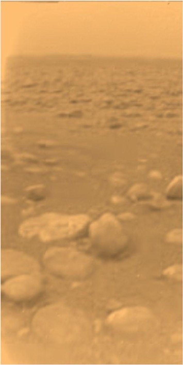 La surface de Titan, capturée par le module Huygens.