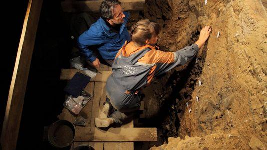 Nouvelles découvertes dans la grotte de Denisova