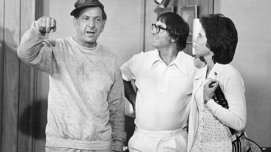 Jack Klugman, Bobby Riggs et Billie Jean King dans un épisode de la série télévisée The ...