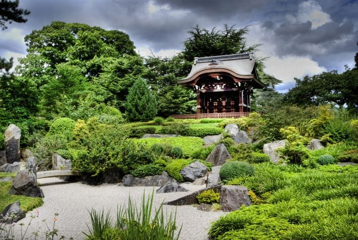 Une pagode japonaise dans les jardins botaniques de Kew.