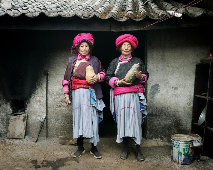 Naju Dorma, 73 ans, et Lacuo Dorma, 66 ans, sont toutes deux originaires du village de ...