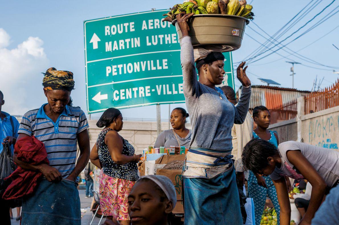 Prince, Haïti AVENUE MARTIN-LUTHER-KING. Renommée en 1968. Ici, l'avenue Martin-Luther-King rejoint le boulevard Toussaint-Louverture, père de ...