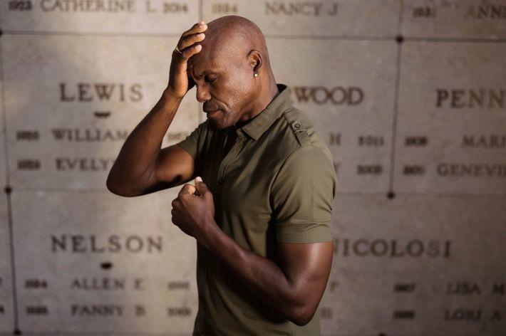 Le champion d'athlétisme Carl Lewis a offert au musée neuf de ses dix médailles olympiques. « ...