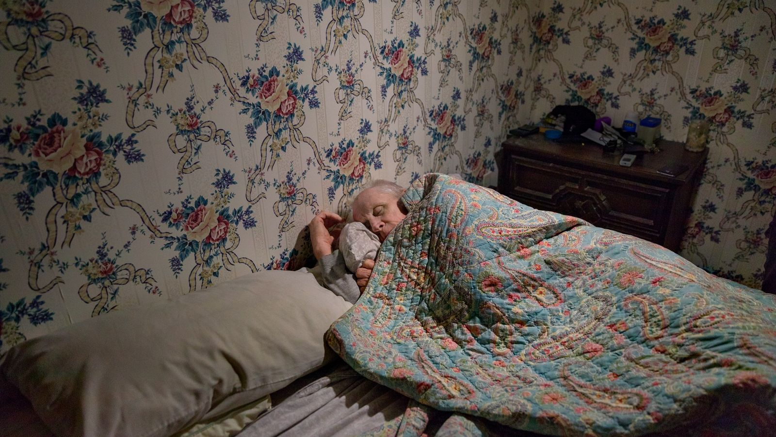 Photo issue du magazine National Geographic d'août 2018, dédié au sommeil. Chauffeur routier pendant vingt ans, ...