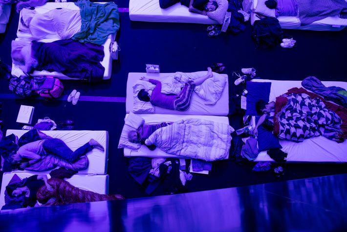 """Le public de la Philharmonie de Paris s'est endormi en écoutant """"Sleep"""", une symphonie composée par ..."""