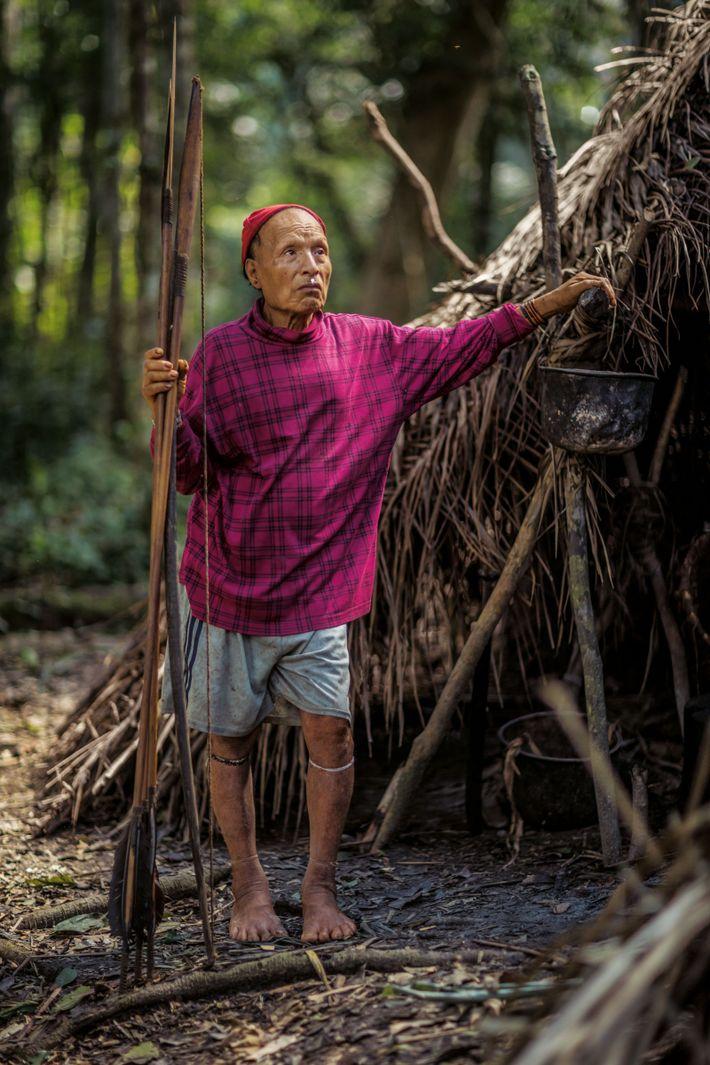 Des missionnaires sont entrés en contact avec des Mastanahua, en 2003. Seuls Shuri, ses deux épouses ...