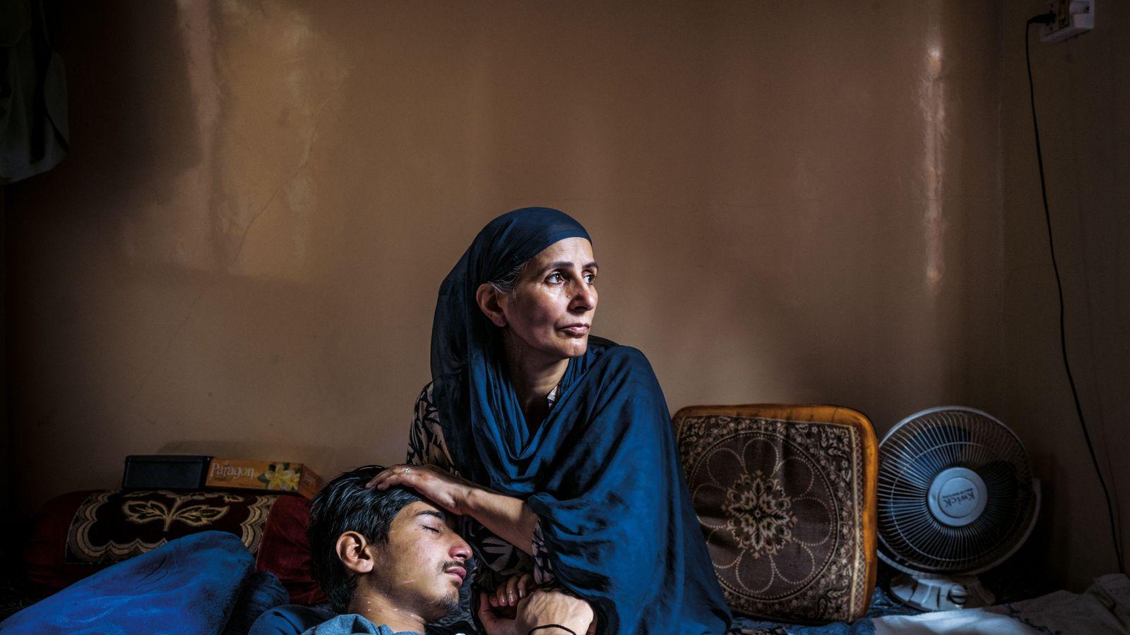 Farzan Sheikh a été blessé à l'oeil gauche par un policier indien armé d'un fusil à ...