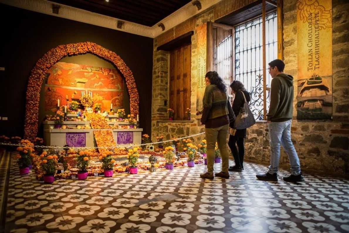 Une « ofrenda » (un autel) en l'honneur de la « cultura choluteca », au Museo ...