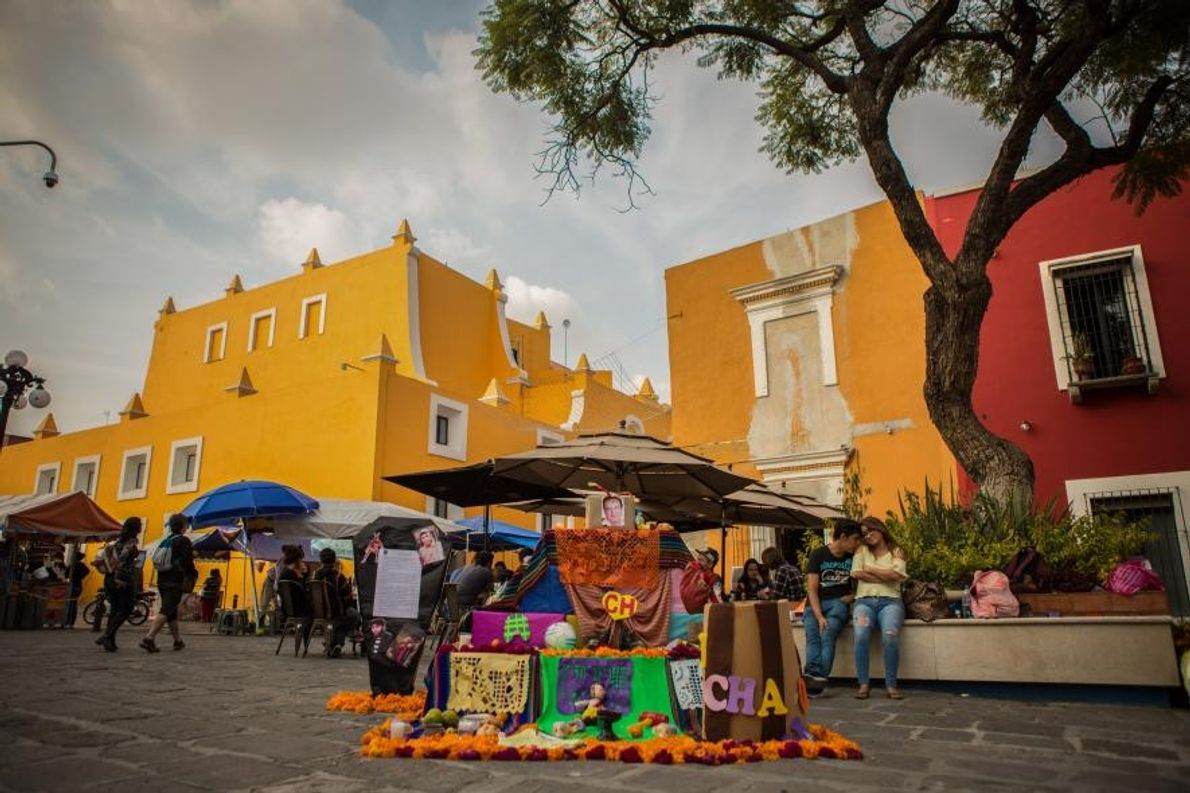 Une « ofrenda » (un autel) située dans le Barrio del Artista de Puebla, au Mexique. ...