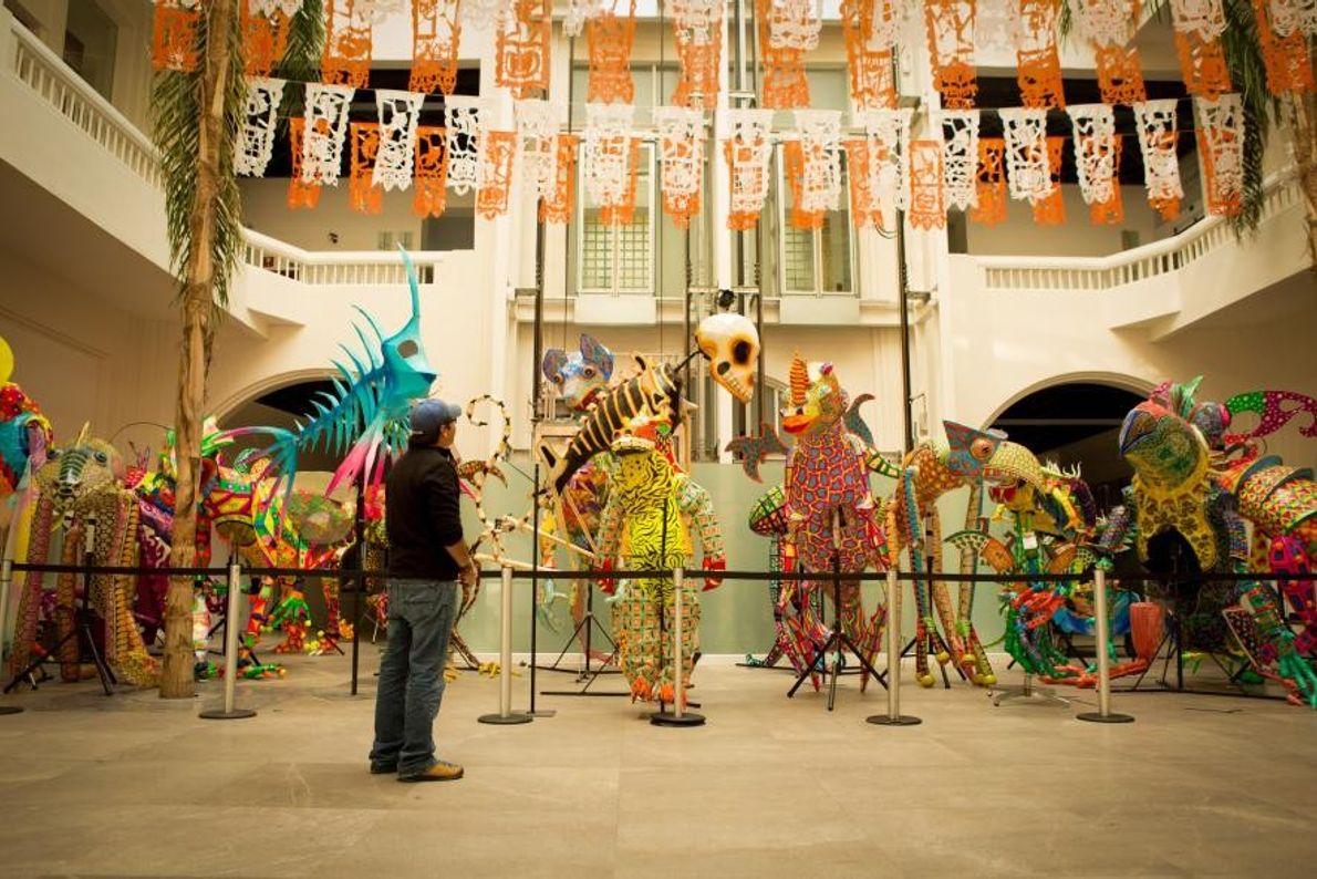 Les œuvres de la Noche de Alebrijes sont exposées au Museo de Arte Popular. Situé à ...