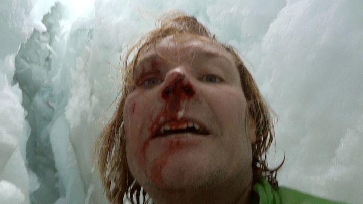 Un scientifique tombe dans une crevasse de 21m de profondeur