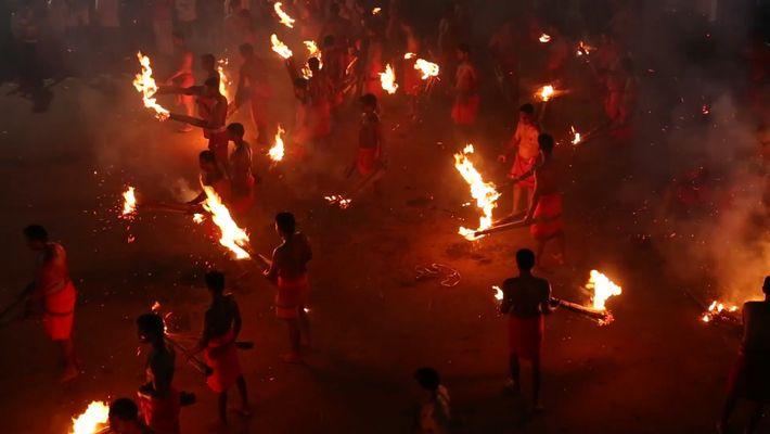 Le Temple de la bataille de feu de « Kateel Durga Parameswari » est situé à ...