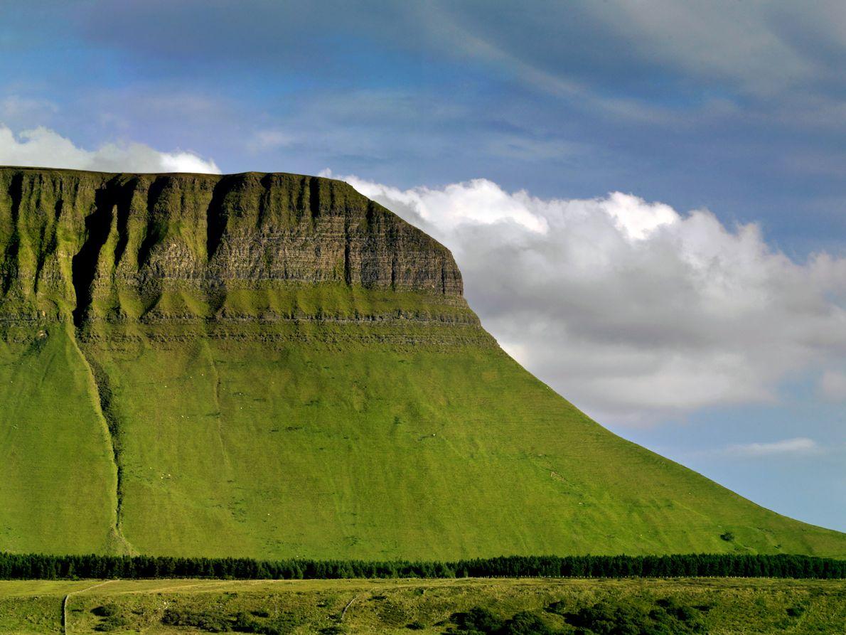 « Cette montagne en forme de table – le Ben Bulben – était la préférée du ...
