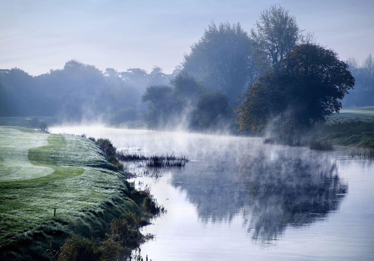 C'est donc au mois de novembre qu'il a choisi de capter l'ambiance onirique des paysages du ...