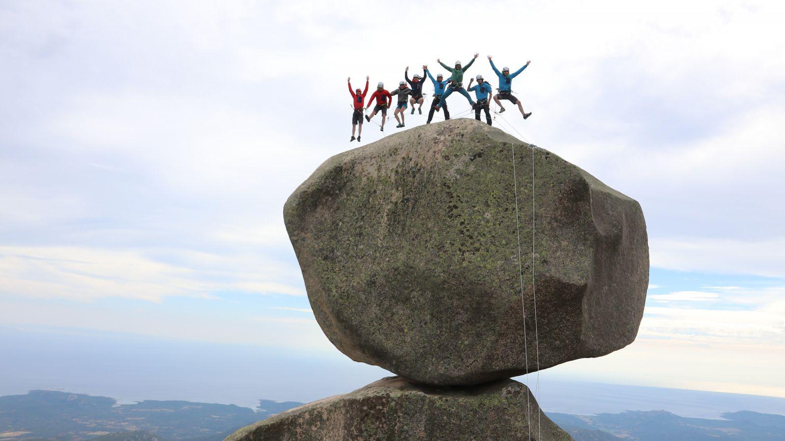 La promotion 2017/2018 du Roc Aventure Programme de la Fédération française de la montagne et de ...