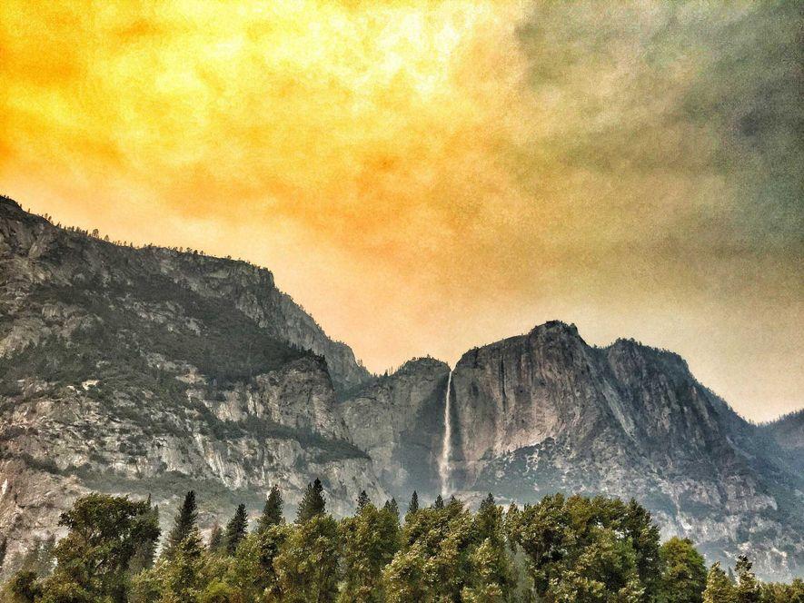 Un ciel de feu surplombe la vallée de Yosemite, en juillet 2017. Si cet incendie, baptisé ...
