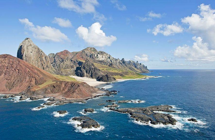 Trindade est une île volcanique au large des côtes de l'état brésilien d'Espirito Santo. Il constitue ...