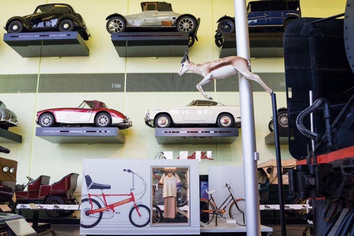 Des bicyclettes, des trains et des automobiles remplissent le Riverside Museum, construit sur le site d'ancien ...