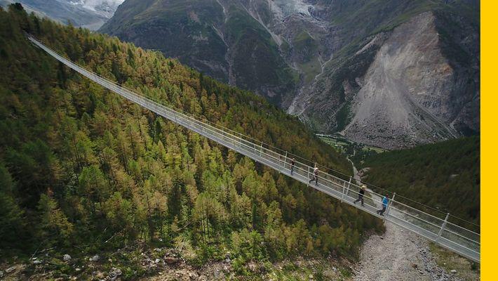 En Suisse, sur le plus long pond suspendu du monde