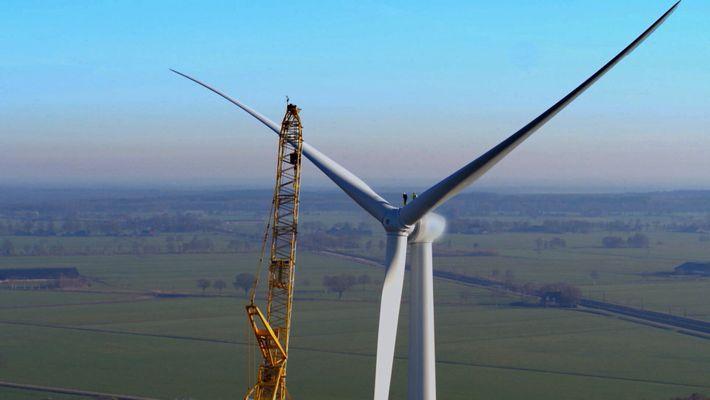 Cet ingénieur éolien travaille au-dessus de 85 mètres de vide