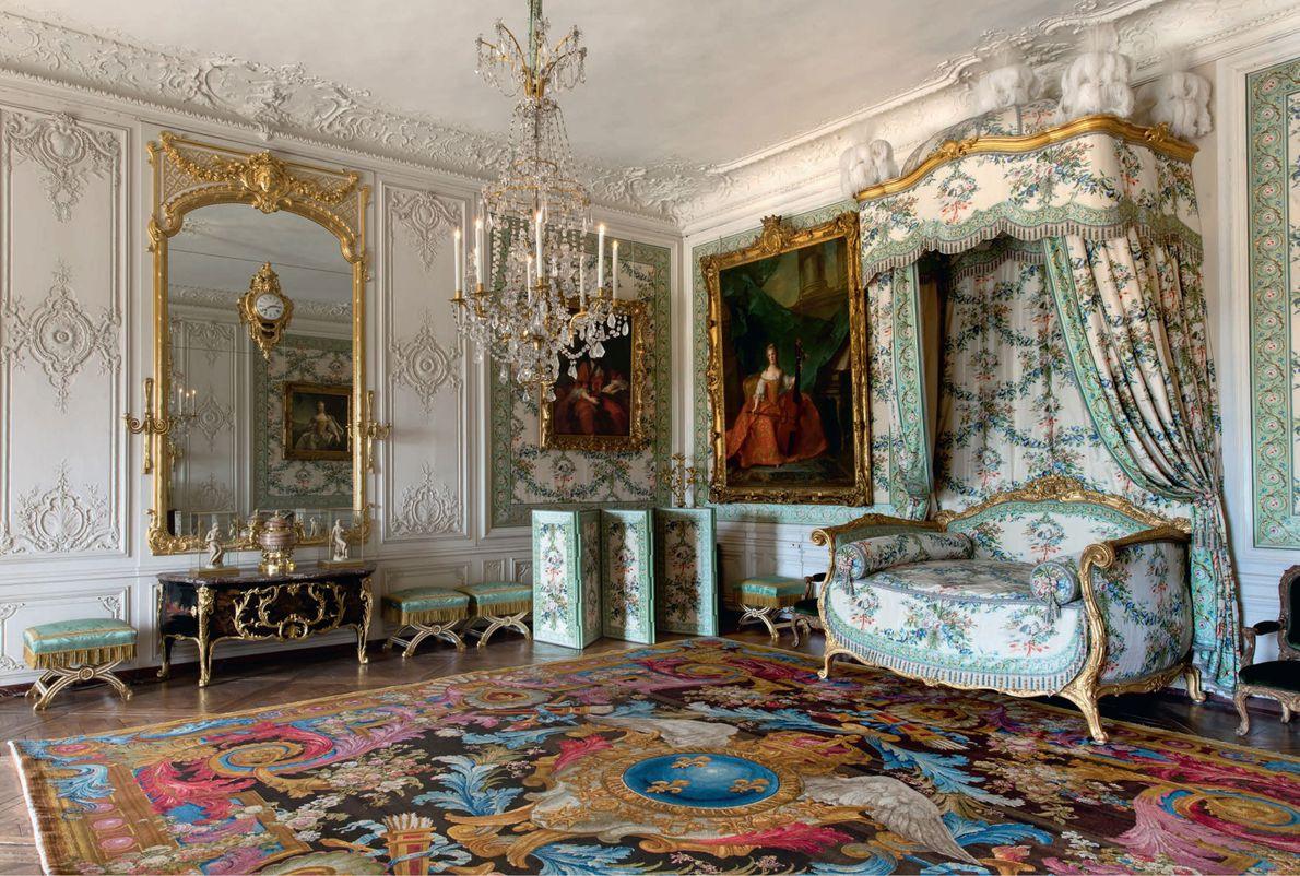 Madame Victoire, l'une des huit filles de Louis XV, a vécu au palais jusqu'à la Révolution. ...