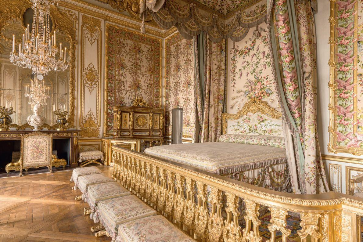 La chambre à coucher de la reine a été restaurée à l'identique de ce qu'étaient les ...