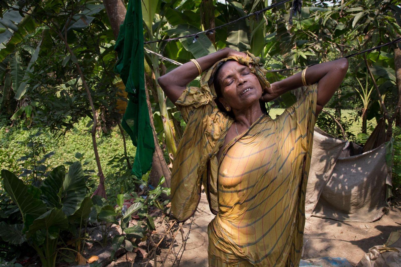 INDE - Bisakha a été mariée à 13 ans, et était veuve à 27 ans. Elle ...