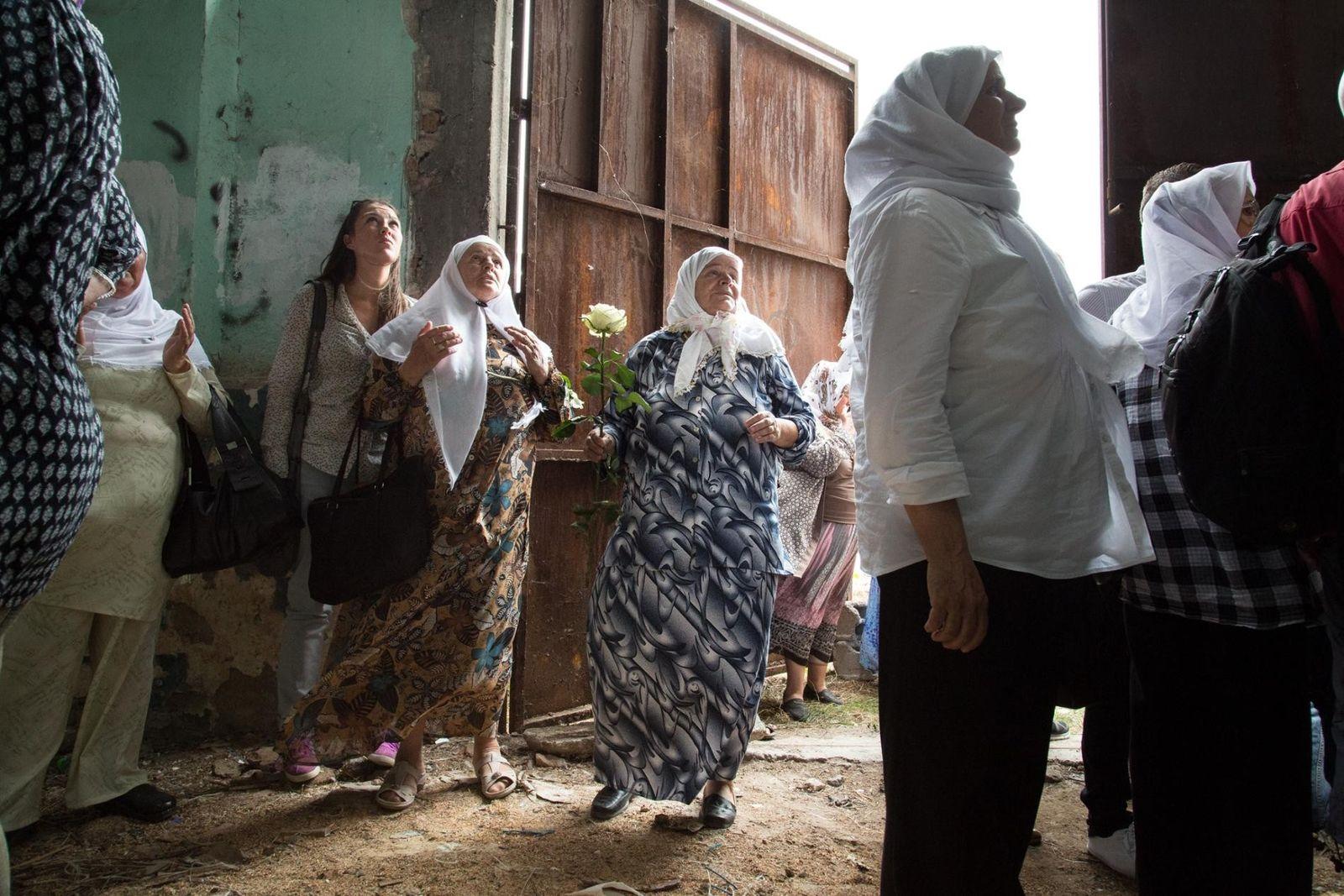 BOSNIE - Les femmes qui ont perdu leurs maris et d'autres membres de leur famille lors ...