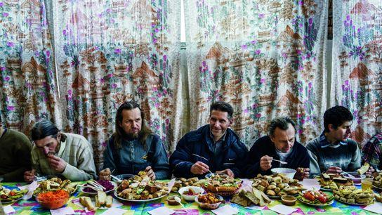 Tous végétariens, les disciples de Vissarion partagent un repas de Noël à Cheremshanka, l'un des cinq ...