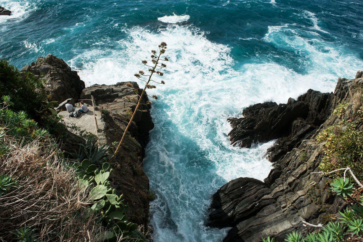 Aux Cinque Terre, la mer a sculpté des falaises abruptes. Une nature hostile et magnifique que ...