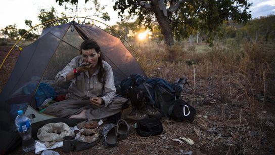En 2015, Sarah Marquis traverse à pied le Kimberley, dans le nord de l'Australie-Occidentale, se nourrissant ...
