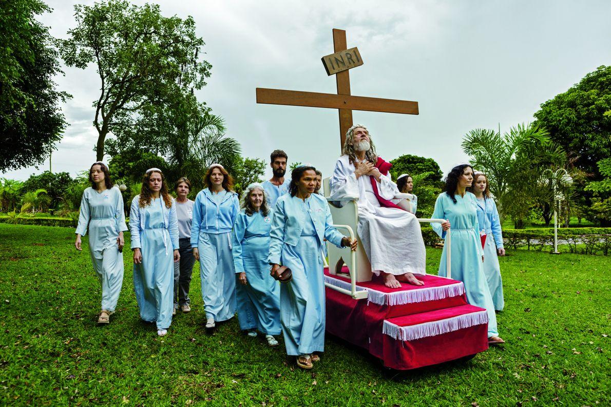 Près de Brasilia, capitale du Brésil, les fidèles d'INRI (les initiales de « Iesus Nazarenus Rex ...