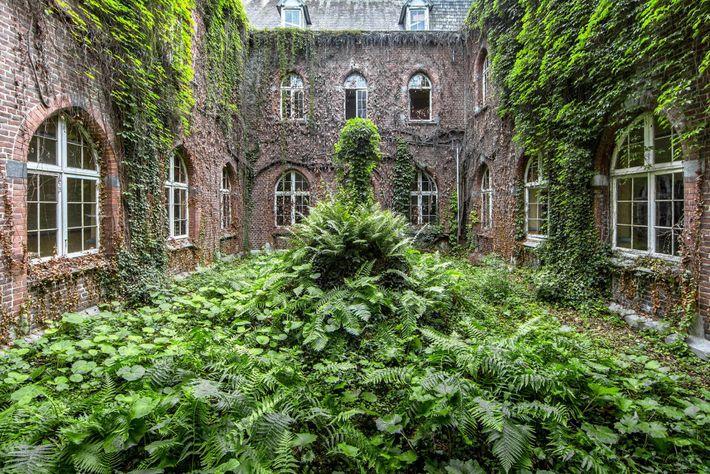Un monastère, Belgique.