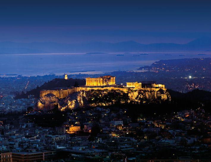 L'armée perse cherchait à punir les cités d'Érétrie et d'Athènes en les dévastant, parce qu'elles avaient ...