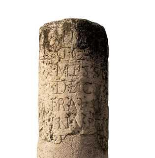 En 250 après J.-C., une borne kilométrique est érigée le long des routes romaines, en Allemagne, ...