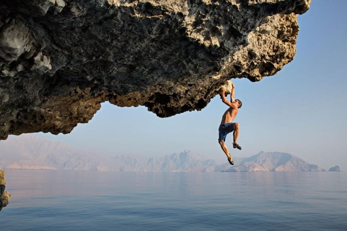 Dans le cadre d'une escalade réalisée pour National Geographic, Alex Honnold réalise en solo intégral l'ascension ...