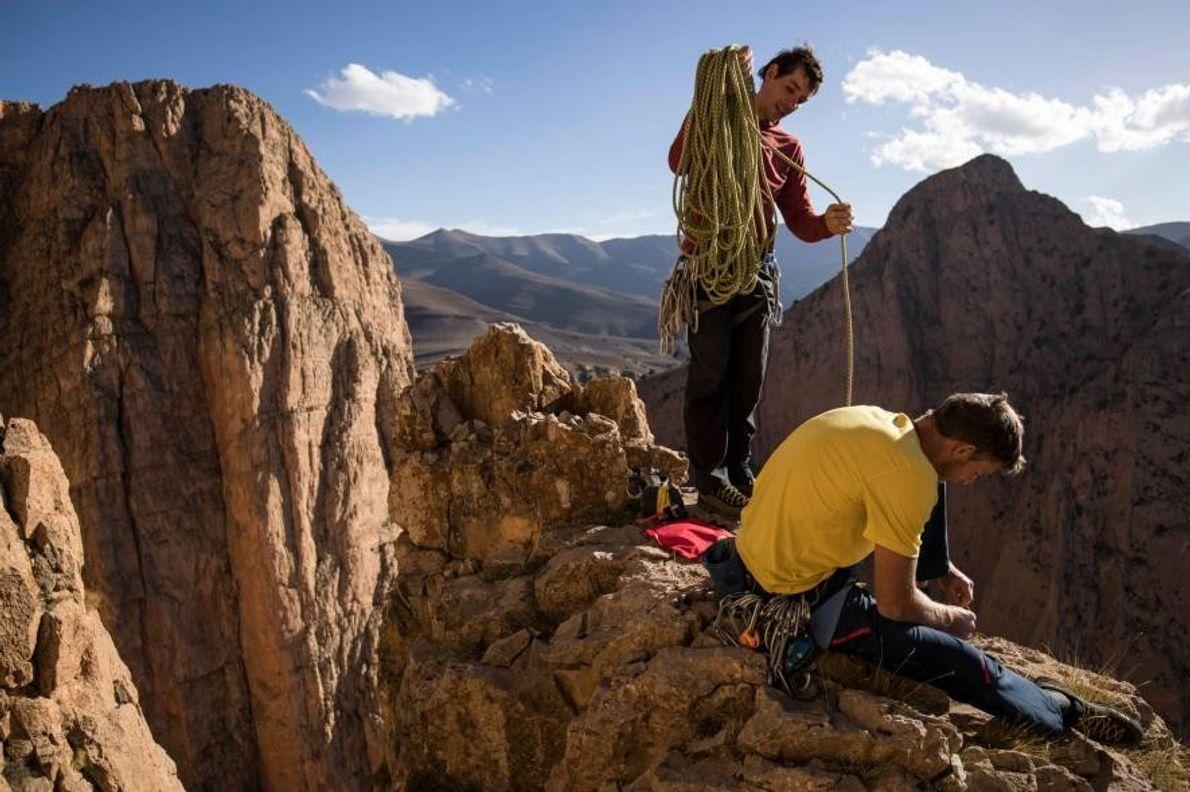 Sur cette photo prise en 2016 lors de leur ascension des Gorges de Taghia, Alex Honnold ...
