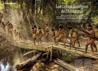 À Posto Awá, des villageois prennent un bain matinal. Les tortues finiront sans doute mangées.