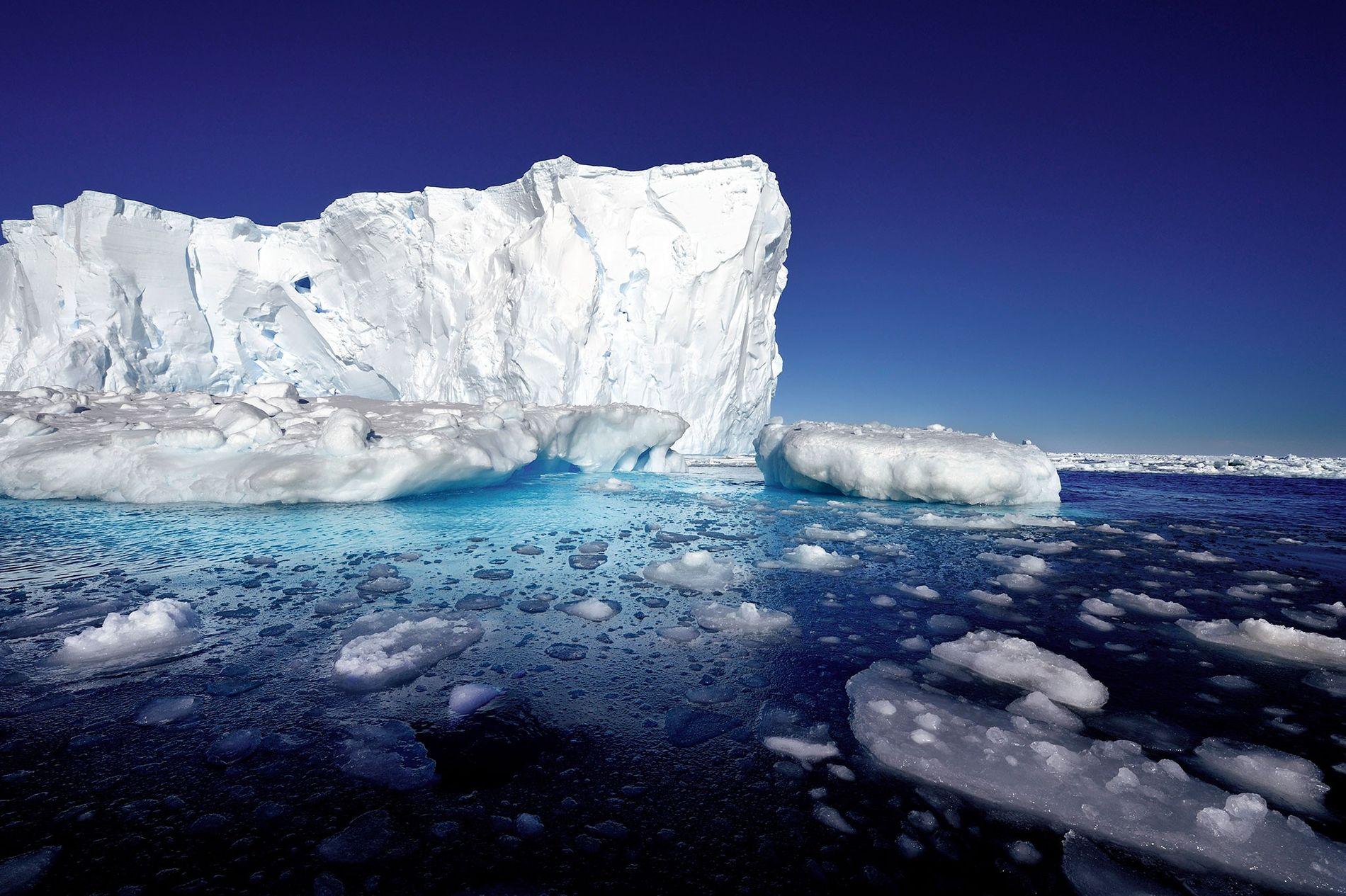 Le glacier de l'île du Pin, en Antarctique.