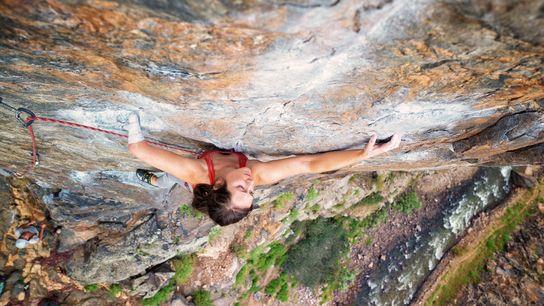 Maureen Beck est l'une des principales figures qui militent en faveur de l'escalade adaptée aux États-Unis. ...