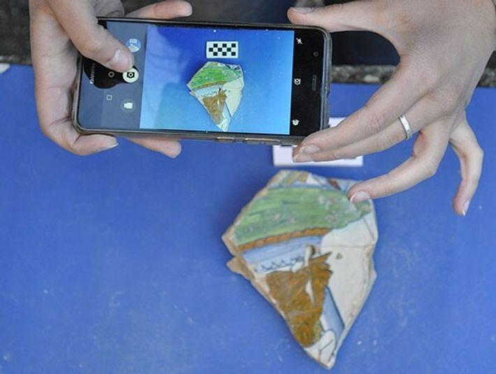 ArchAIDE permet d'identifier des objets en céramique qu'ils soient ornés ou non